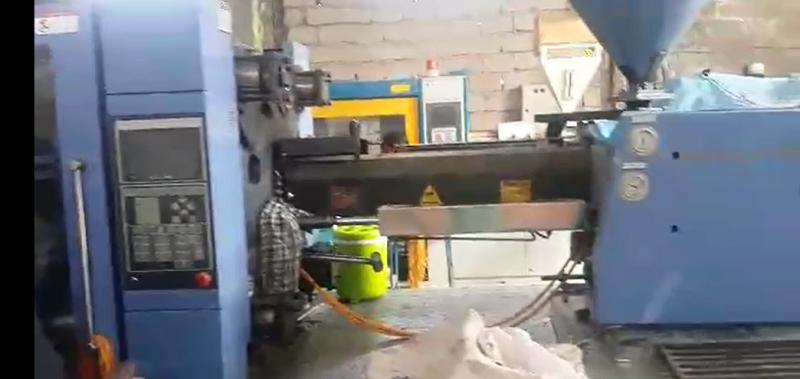 دستگاه تزریق پلاستیک ۱۰۰۰ گرم (۳۰۸ تن) NBM