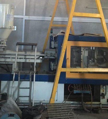 تزریق پلاستیک ۷۰۰ گرم (۲۵۰ تن) پولاد