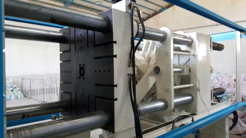 دستگاه تزریق پلاستیک 400 تن تکنوهیدرولیک